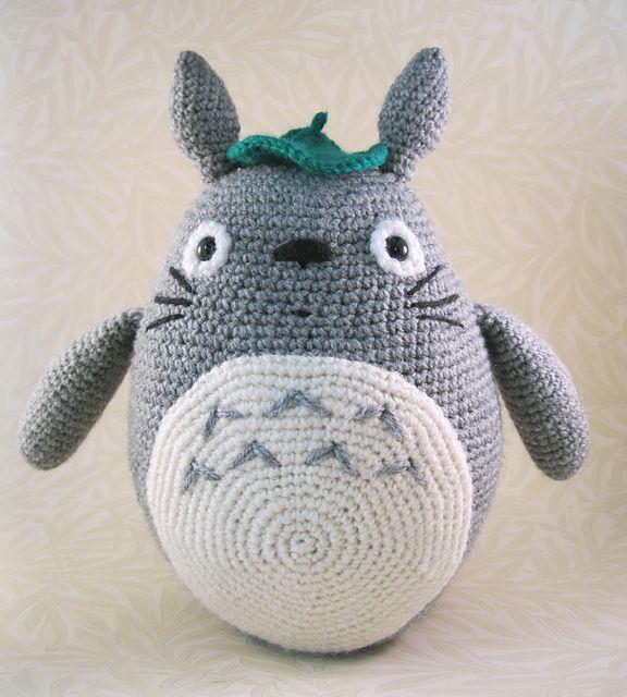 Patron gratuit : Grey Totoro au crochet