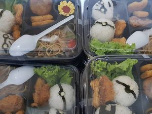 Berkah Catering - Nasi Bento Surabaya (0811-3169-666)