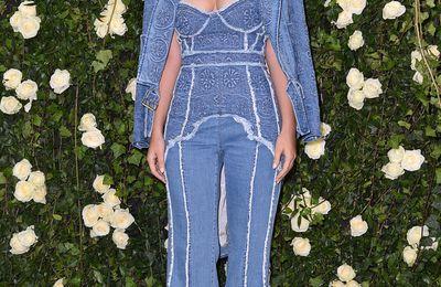 Le total look jean sensuel pour Marie-ange Casta