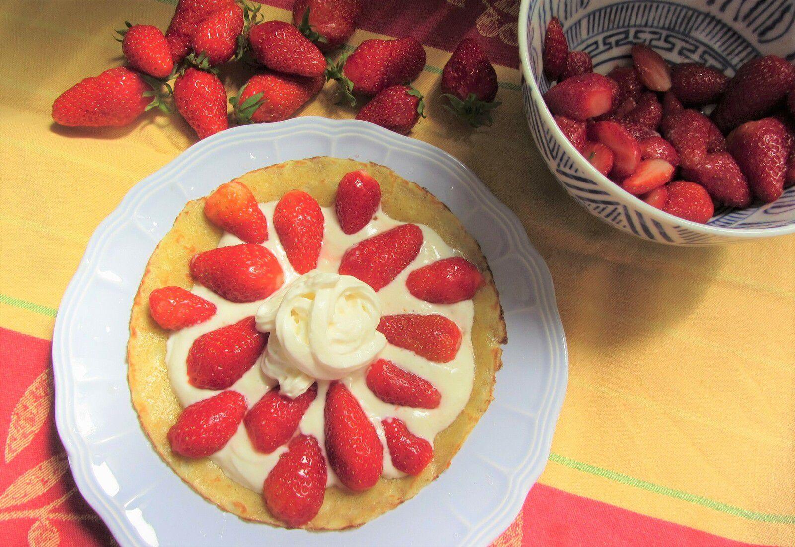 Petite crêpe aux fraises