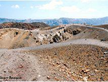 Nea Kameni, sur le cratère