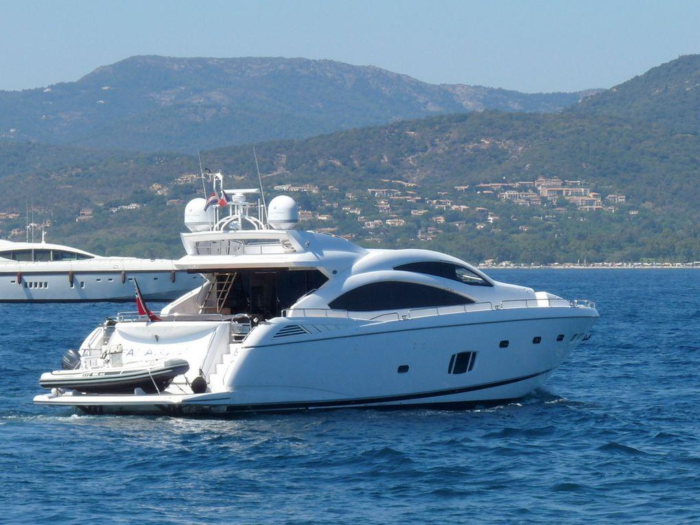 FANAMAX , appareillant du port de Saint Tropez le 25 aout 2016