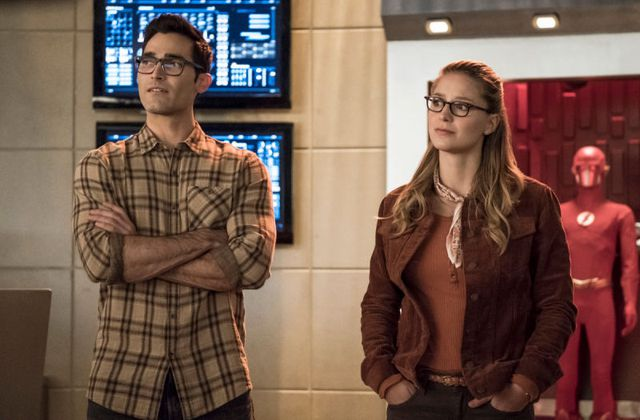 Critiques S2ries : The Flash. Saison 5. Episode 9. ELSEWORLDS PART I