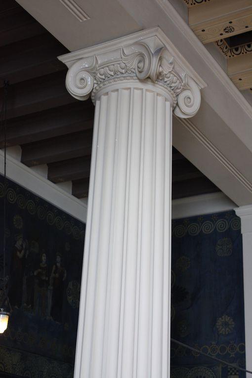 La villa Kérylos, à Beaulieu-sur-Mer entre Nice et Monaco, a été construite par l'architecte Emmanuel Pontremoli entre 1902 et 1908 sur un promontoire rocheux surplombant la Méditerranée. Photos: Mariela et Emmanuel 2013 (M. et Em. presse)