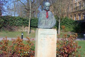 METZ Tradition - Une nouvelle cravate pour le buste de Verlaine, depuis le 30 mars 2012.