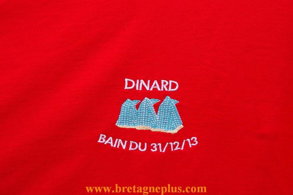 Evénement à Dinard, en ce 31 décembre 2013. Comme tous les ans, se déroulait le dernier bain de l' année.