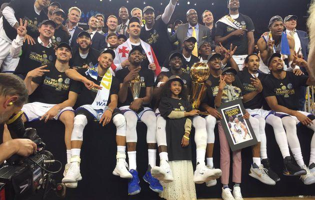 Les Warriors remportent le titre de champion NBA 2017 en battant les Cavaliers dans le Game 5