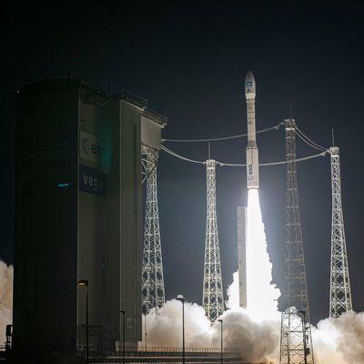 Lancement du premier satellite Pleiades Neo: 30 cm, c'est le pied!