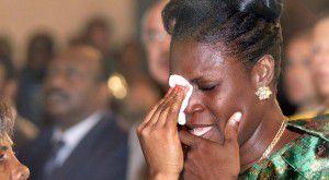 Arrivée triomphale de Simone Gbagbo à son procès... 1ères images