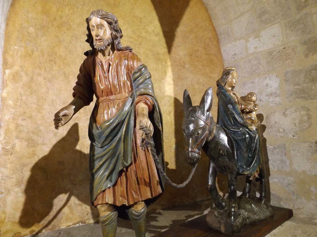 La statuaire remarquable de l'église de Moissac dont la superbe Mise au Tombeau