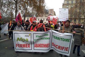 Manifestation, pétition, marchés... : le combat continue contre la fermeture de l'Afpa à Nevers