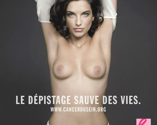 Pauline Delpech pose topless contre le cancer du sein !