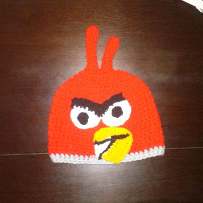 """bonnet 8-12 ans """" red angry birds"""""""