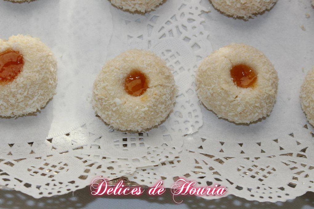 Biscuits coco et confiture