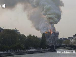 BREAKING NEWS- L'horreur: Notre-Dame de Paris brûle (photos)