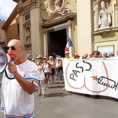 Nice: Petit aperçu des manifestants anti-passe et anti-vaccin