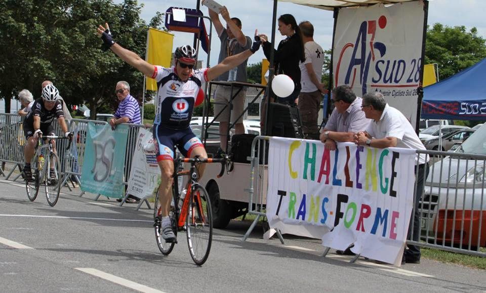 Album photos des courses UFOLEP 3 et GS de Cloyes sur Le Loir (28)