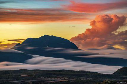 Une ambiance plus zen cette fois, après le coucher de soleil en regardant vers le Piton des Neiges.