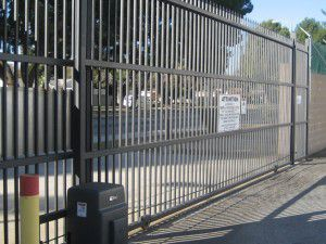 Pick the right automatic gate opener for your driveway