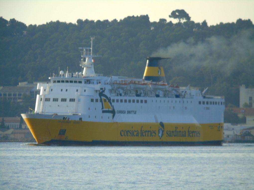 SARDINIA VERA  , arrivant en petite rade de Toulon et se dirigeant  vers toulon / Bregaillon le 16aout 2020