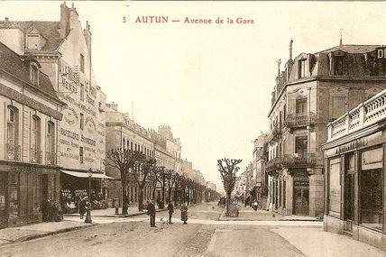 Quartier centre ville : l'Avenue Charles de Gaulle .