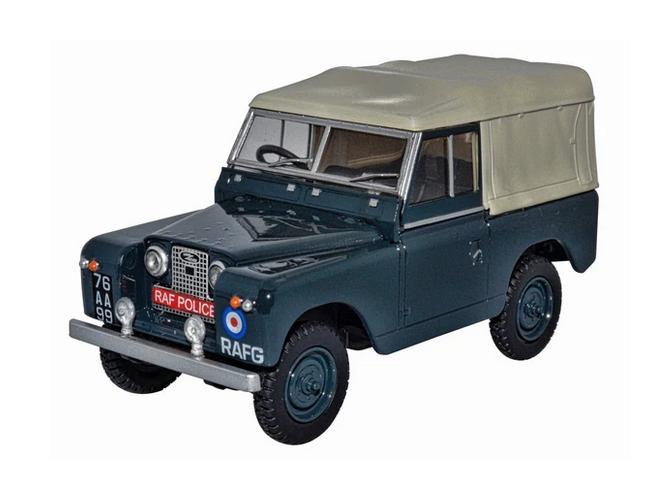 Land Rover Serie III bâché au 1/43 (Oxford)
