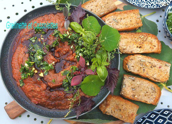 Bruschettes de Caviar d'aubergines à la Tomate et palette d'herbes aromatiques