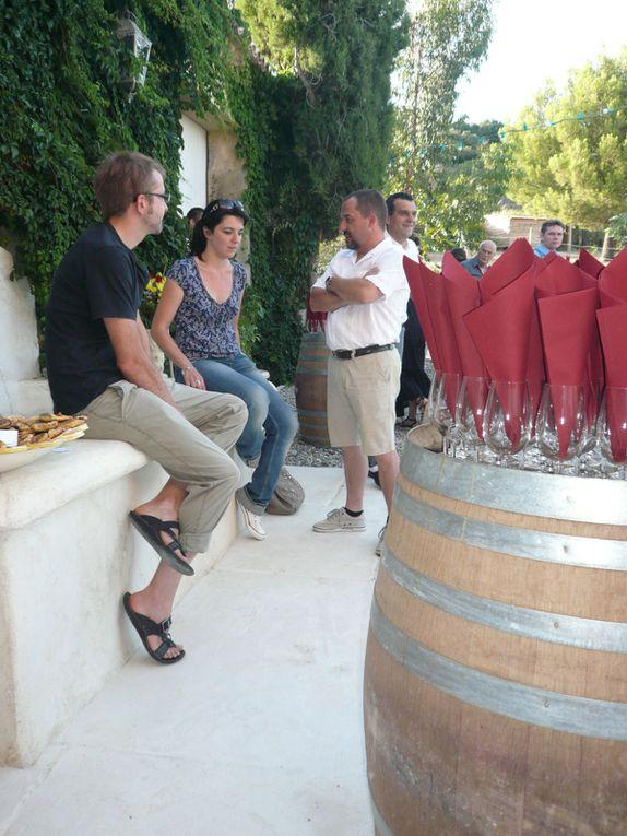 présentation des vins au cours de soirée dégustation durant l'été...