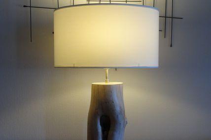 Lampe simple et nature en bois flotté