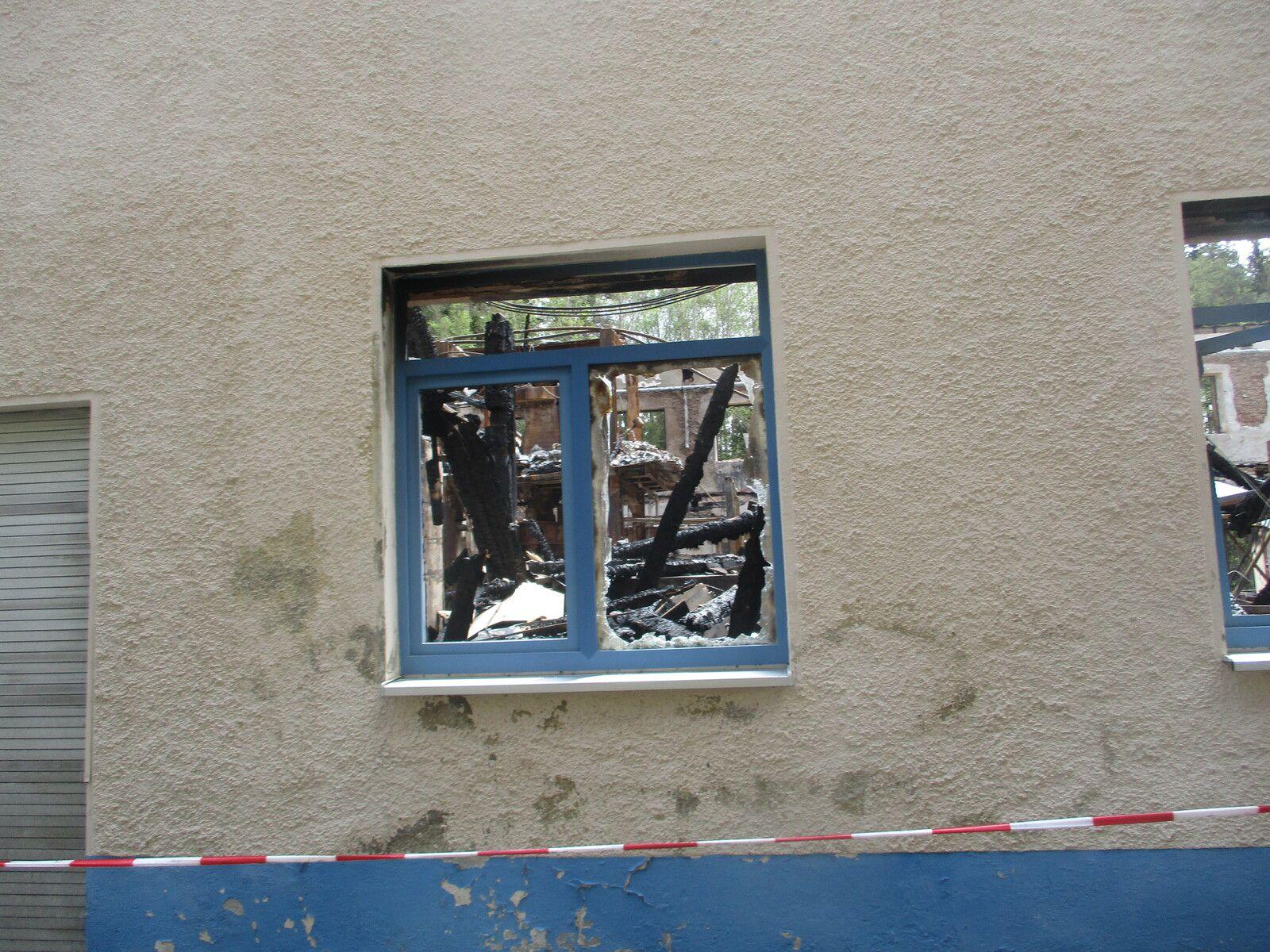 so sieht es 3 Monate nach dem zerstörenden Brand in Elisenfels aus.
