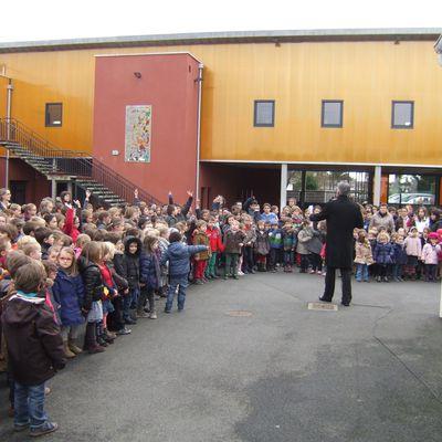 vendredi 28 novembre: rassemblement pour débuter l'Avent à l'école