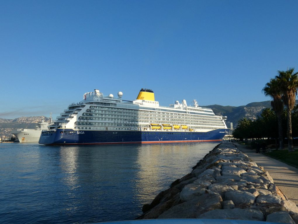 SPIRIT of DISCOVERY , arrivant au port de Toulon le 27 octobre 2019