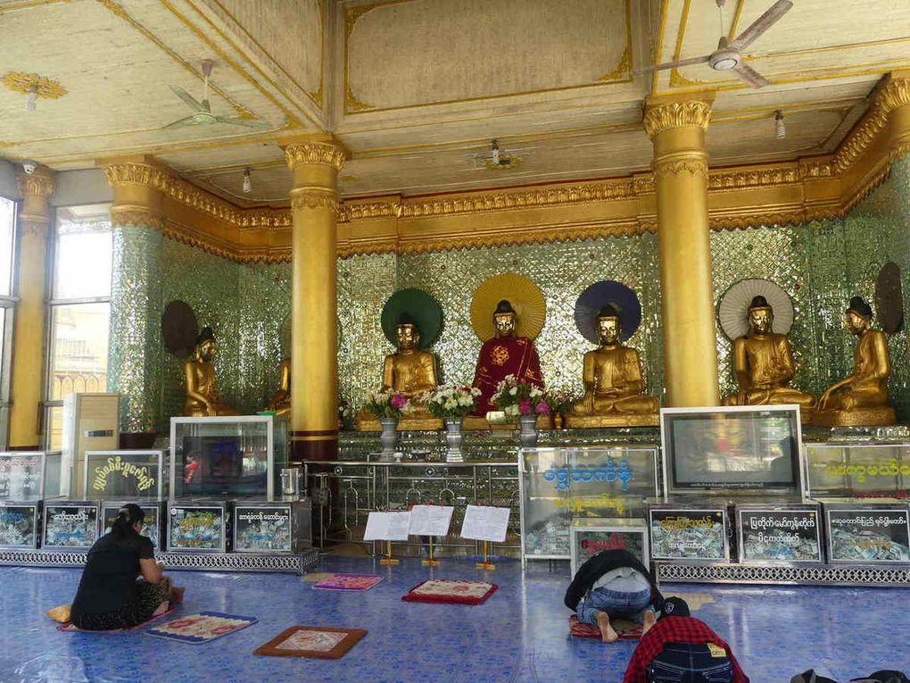 Bago :  pagode Kyaik Pun 4 Bouddhas et pagode Shwe Tha Lyaung,
