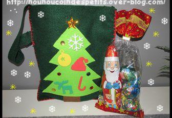.. Sac cadeau en feutrine Noel ..