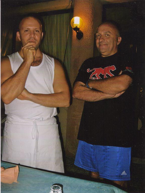 Pour ceux qui connaissent les bonnes pizzas de Stephane, voilà quelques photos de son stage de quinze jours chez Gérard à Nice en Février 2005.C'est là qu'il a tout appris.