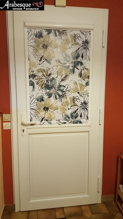 installation store clip enrouleur sur porte d'entree neuve arabesque