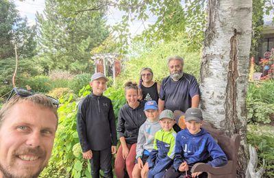 Vicky et ses hommes en visite aux Jardins