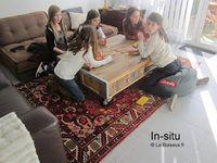 Envoyez des photos de votre meuble dans son contexte prédestiné, dès sa réception.