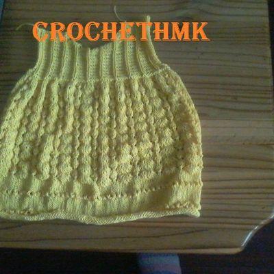 robe bébé au tricot