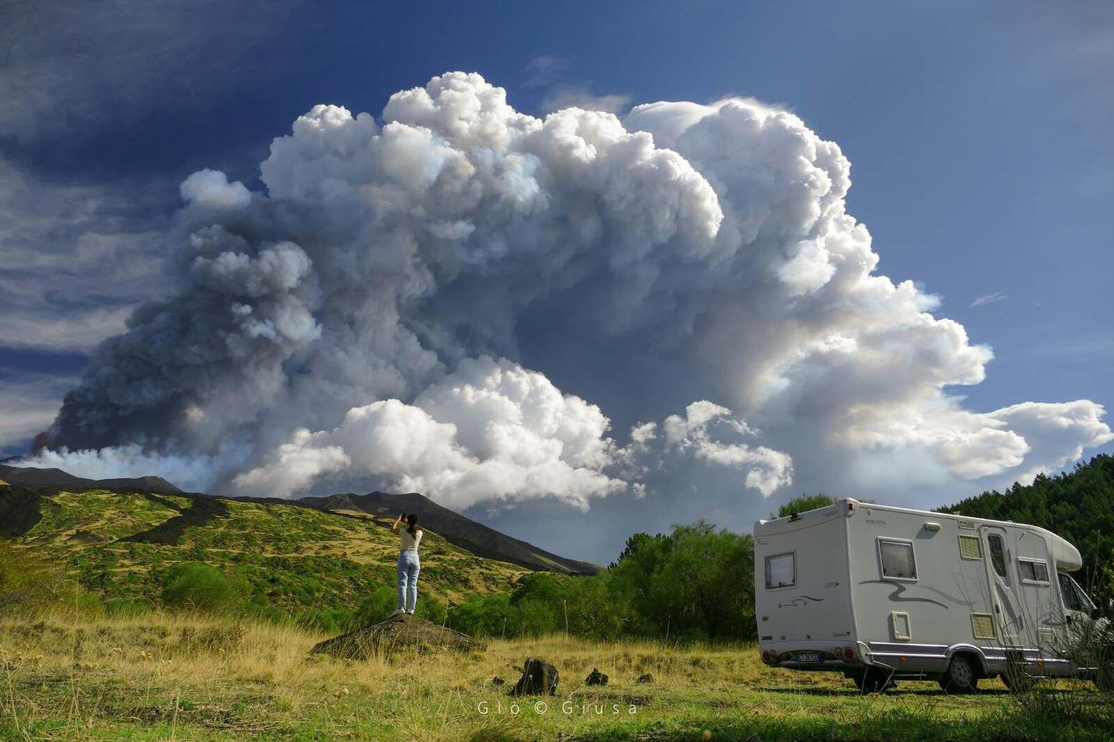 Etna SEC - 21.09.2021 -le 51° Paroxysme vu de Piano Vetore  -  photo Gio Giusa