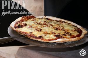 Pizza figatelli, tomates séchées, mozza