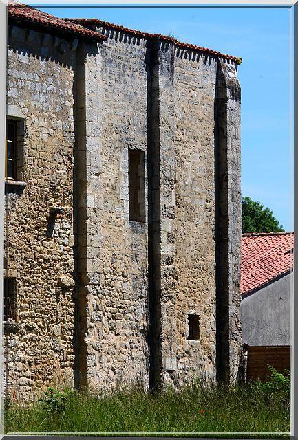 Diaporama du prieuré fortifié de Ronsenac