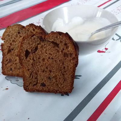 Cake classique à  la confiture, vite fait, peu sucré