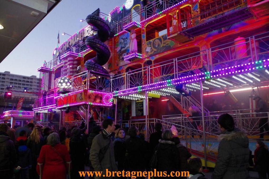 Depuis le 7 décembre, la Fête Foraine de Rennes, édition 2013, avec ses nombreux manèges, se terminera, le dimanche 5 janvier.