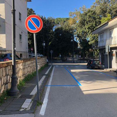 Parcheggi gratuiti fino al 31 gennaio, ma aumentano le strisce blu