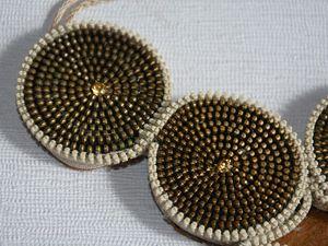 Riciclo Creativo: collana con cerniere marroni
