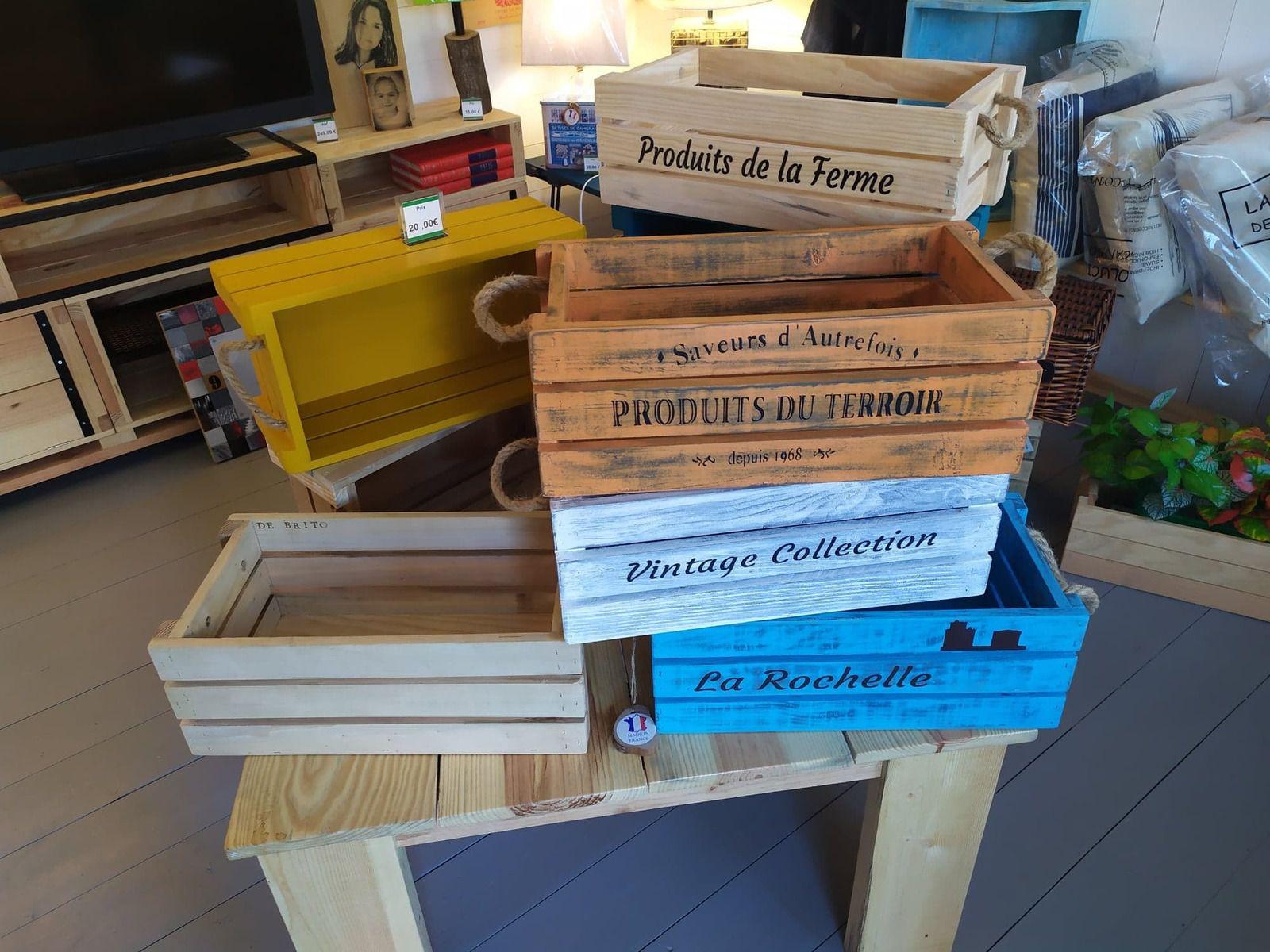 Fabrication artisanale, de divers meubles et objets en Bois de Palette.