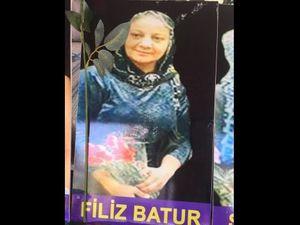 Voici quatre personnes venues ensemble d'Alanya (côte sud), réunies par leurs idéaux politiques et syndicaux, et maintenant par la mort. Les quatre ont été inhumés ensemble à Alanya. C'est d'abord Fatma Batur, dite Filiz, était co-présidente de la branche d'Alanya du HDP. Elle était mère de deux enfants. Bedriye Batur était sa nièce.