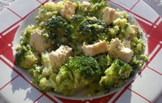 Poêlée de brocolis et tofu ferme (Végan)