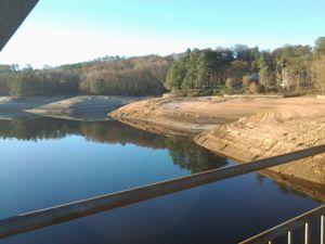Le Lac est un peu a sec. Très jolie vue a 10h ce matin.